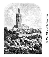 Les Arenes and the steeple of St. Eutropius, a Saintes, vintage engraved illustration. Magasin Pittoresque 1875
