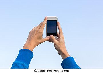 les, homme, prend, les, image, sur, mobile, téléphone.