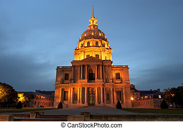 Les Invalides (The National Residence of the Invalids) at ...