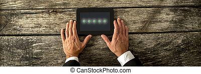 les, mâle, tablette, main, cinq, boîtes, vert, tenue, numérique, aérien, tique, chèque, vue