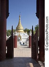 les, ouverture portail, à, les, temple bouddhiste