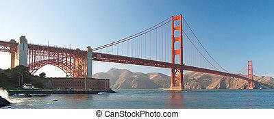 les, pont porte or, dans, san francisco, pendant, les, coucher soleil, à, beau, azur, océan, dans, fond, panorama