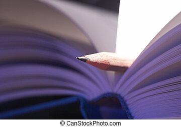 Lesezeichen- bookmark - Bleistift als Lesezeichen in blau...