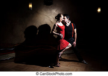 Let's Tango! - A man and a woman in the most romantic dance:...