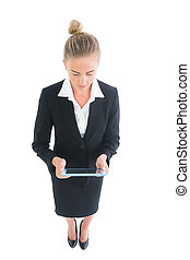 lettertype, haar, aanzicht, schattig, werkende , tablet, hoog, vrouw, hoek