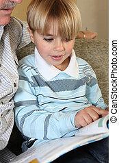 lettura, suo, libro, nipote, nonno