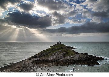 leuchturm, stürmisch, aus, himmelsgewölbe, vorder, steinen, meer, landschaftsbild