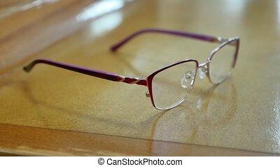 leugen, bril, in het oog krijgen, myopia., tafel