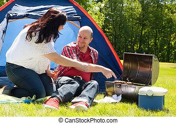 leur, couple, apprécier, barbecue, heureux