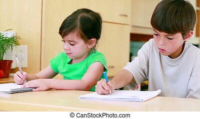leur, enfants, devoirs