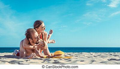 leur, vacances, plage, age moyen, été, couple