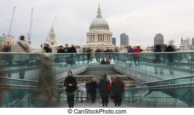 leute, überfahrt, der, millenium, brücke, london,...