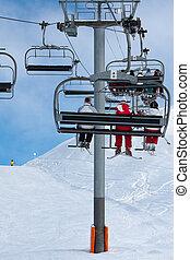 leute, auf, a, chairlift, fahren ski zuflucht