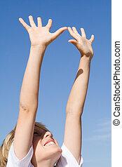 levantado, alcançar, determinação, braços, ar, criança, ...
