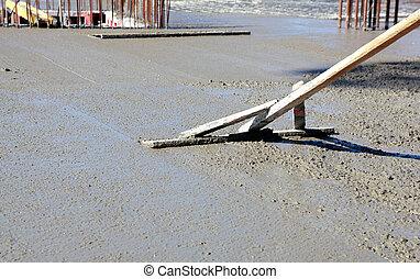 Levelling concrete