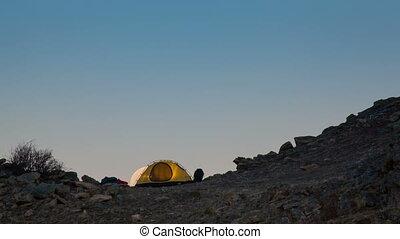 lever lune, tent., time-lapse., touriste, au-dessus