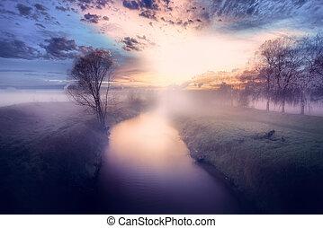 levers de soleil, brumeux, pourpre, rivière, couleur