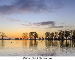 levers de soleil, lac