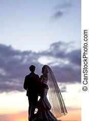 levers de soleil, silhouette, nouveaux mariés, fond
