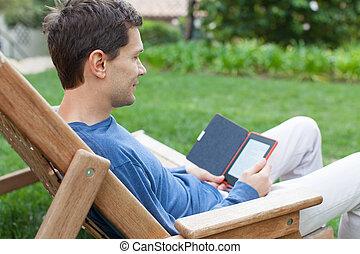 lezende , relaxen, man