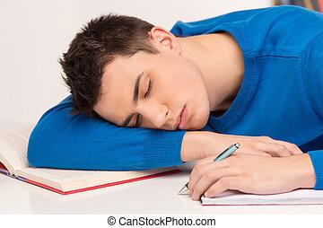 lições, cansadas, estudar, após, jovem, dormir, atraente, estudante, homem, tabela., bonito