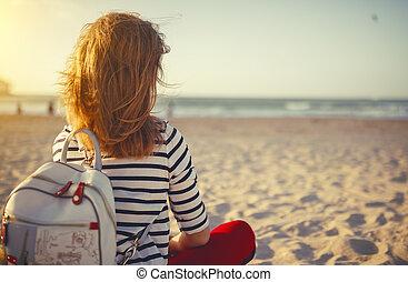 liberdade, desfrutando, mulher, mar, feliz
