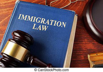 libro, con, titolo, immigrazione, legge