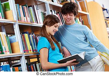 libro de lectura, en, biblioteca