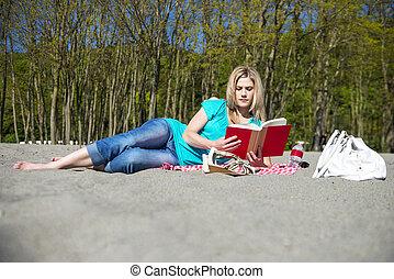 libro, donna, spiaggia, giovane, lettura