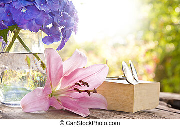 libro, en, el, viejo, tabla, con, flores