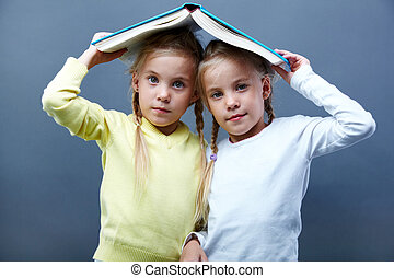 libro, gemelli, sotto