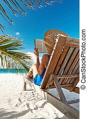 libro, mujer, playa, joven, lectura