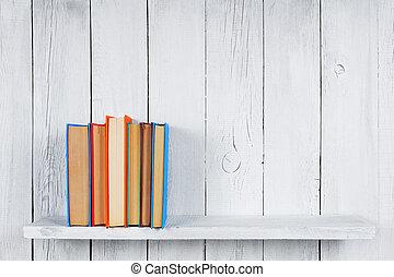 libros, en, un, de madera, shelf.