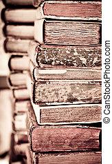 libros viejos, fondo., montón libros, en, un, row.