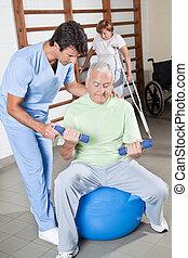 lichamelijke therapist, portie, een, patiënt
