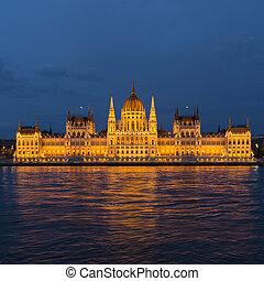 licht, budapest, parlament, reflexionen