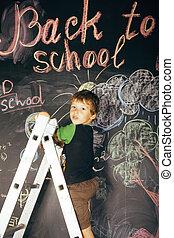 liden, cute, ægte, dreng, hos, sort vægtavle, ind, klasseværelse, tilbage til uddanne, maleri
