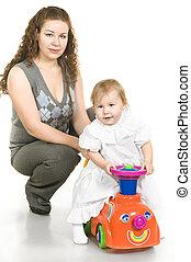 liden, datter, mor, toy., skud., unge, studio, full-length, portræt, pige, spille