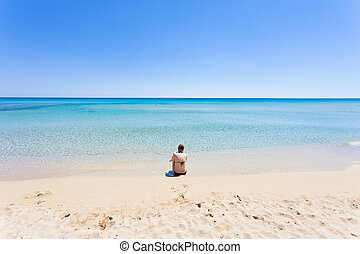 lido, venere, apulia, -, a, junger, mutter, sitzen strand,...