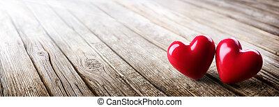 liebe, hölzern, weinlese, paar, valentines, -, tisch, herzen, tag