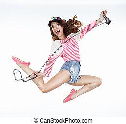lifestyle., 動的, 活気づけられた, 面白い, 女, jumping., 自由