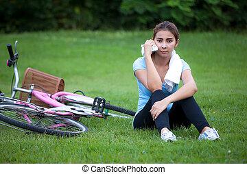 lifestyle., cykel, hälsosam, ung kvinna, ridande, utsida.