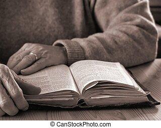 Lifetime of Faith2 - Elderly woman reading Bible