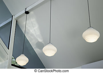 Light lamp hanging from the ceiling