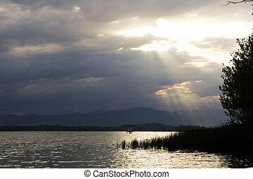 Light on lake Varese
