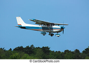 Light plane on final - Light general aviation plane on final...
