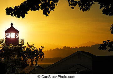 Lighthouse Sunset - Alki Point lighthouse, looking out over...