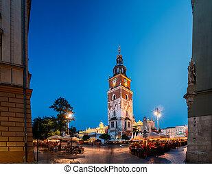 lighting., krakow, ホール, サイト。, 有名, poland., ユネスコ, 世界, タワー, 相続財産, evening., 夜, 広場, ランドマーク, 夏, 町, 古い