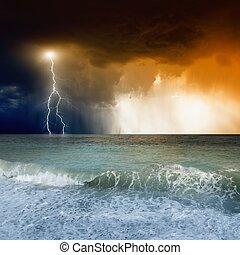 Lightning in sky, sea