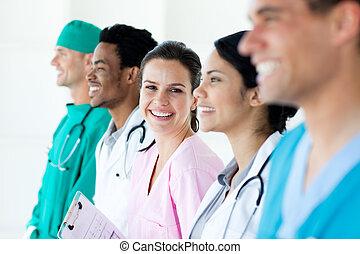 ligne, debout, équipe, international, monde médical